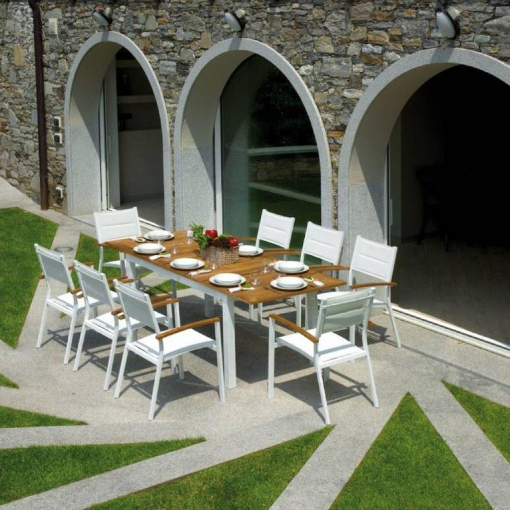 Cucina con pareti verdi for Arredo giardino terrazzo